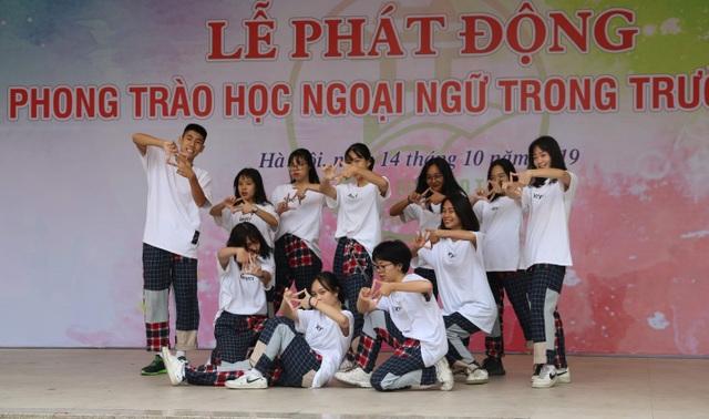 Hà Nội: Đặt chỉ tiêu chuẩn đầu ra ngoại ngữ đối với học sinh lớp 12 - 4