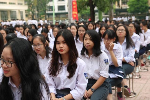 Hà Nội: Đặt chỉ tiêu chuẩn đầu ra ngoại ngữ đối với học sinh lớp 12 - 5
