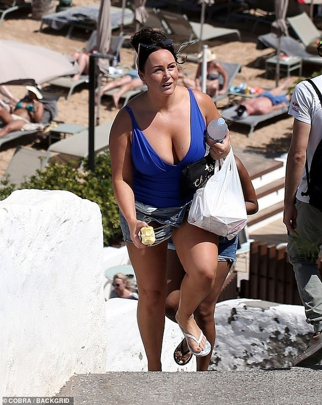 Giảm 20 kg, Chanelle Hayes tự tin diện trang phục gợi cảm - 4