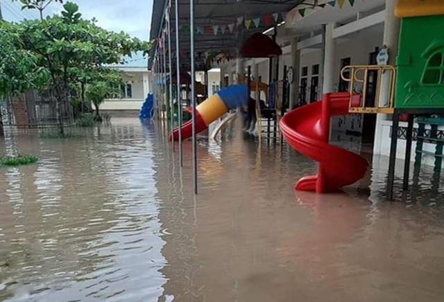 Hà Tĩnh: Gần 8.000 học sinh miền núi nghỉ học do mưa lớn - 1