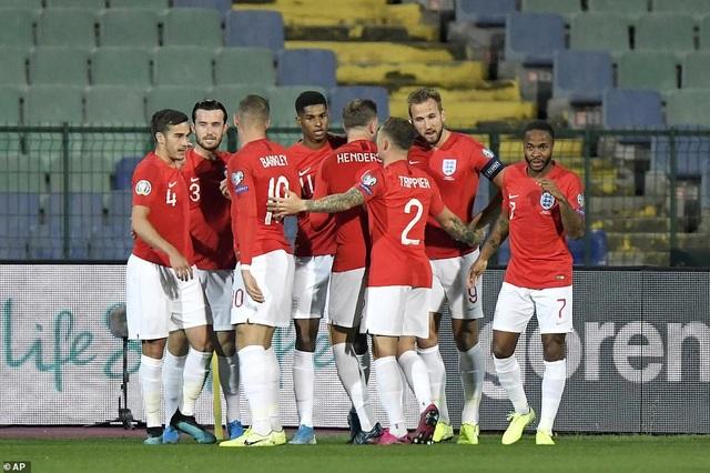 Nghiền nát Bulgaria, tuyển Anh rộng cửa giành vé dự Euro 2020 - 1