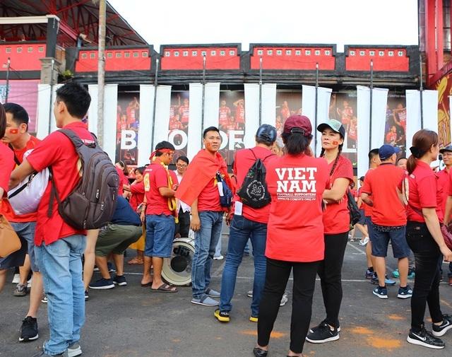Indonesia 1-3 Việt Nam: Chiến thắng thuyết phục - 40