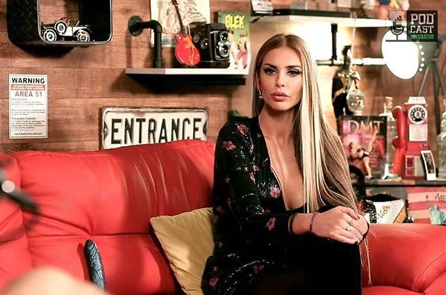 Cựu người mẫu Playboy 31 tuổi tuyên bố tranh cử tổng thống Croatia - 3