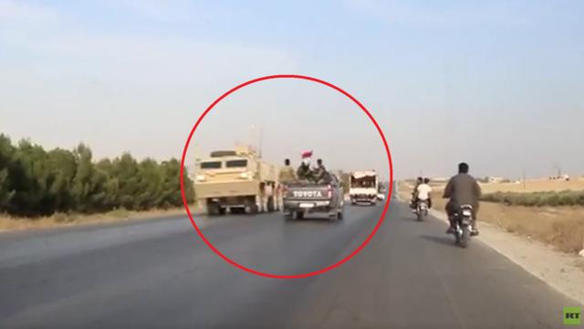 """Xe thiết giáp Mỹ bất ngờ chạm mặt quân nhân Damascus giữa """"chảo lửa"""" Syria - 1"""