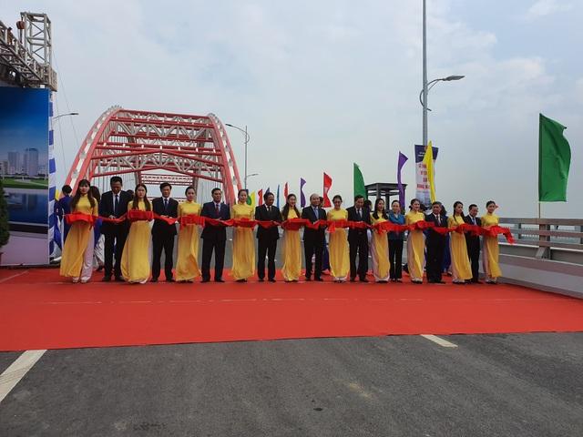 Thủ tướng dự lễ thông xe cây cầu hơn 2.000 tỷ đồng ở Hải Phòng - Ảnh minh hoạ 2