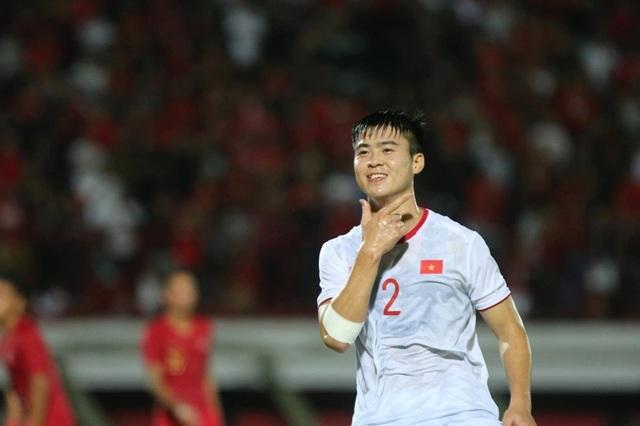 Indonesia 1-3 Việt Nam: Chiến thắng thuyết phục - 16