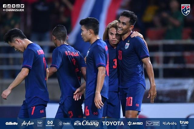 Thái Lan 2-1 UAE: Chiến thắng ấn tượng của Voi chiến - 2