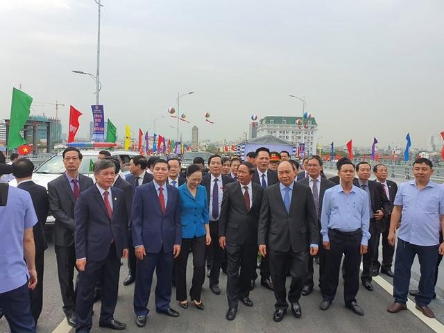 Thủ tướng dự lễ thông xe cây cầu hơn 2.000 tỷ đồng ở Hải Phòng - Ảnh minh hoạ 4