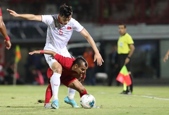 Indonesia 1-3 Việt Nam: Chiến thắng thuyết phục - 13