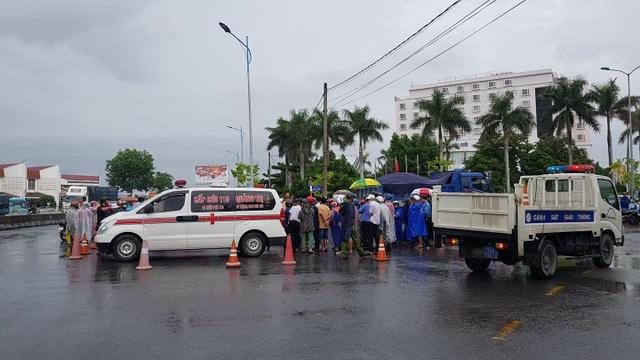 Cô gái trẻ tử vong sau cú va chạm với xe ben - 2