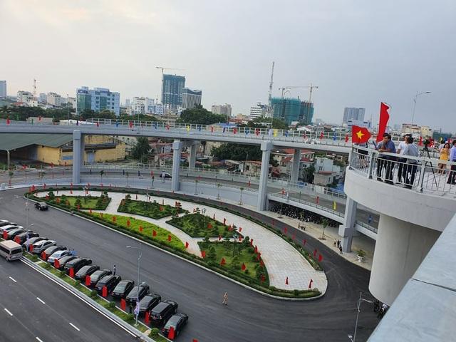 Thủ tướng dự lễ thông xe cây cầu hơn 2.000 tỷ đồng ở Hải Phòng - Ảnh minh hoạ 5