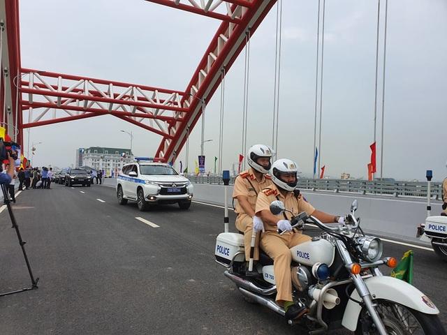 Thủ tướng dự lễ thông xe cây cầu hơn 2.000 tỷ đồng ở Hải Phòng - Ảnh minh hoạ 3