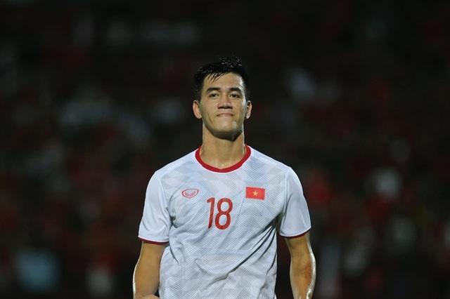Indonesia 1-3 Việt Nam: Chiến thắng thuyết phục - 8