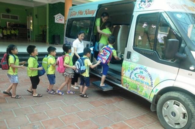 Thanh Hóa: Phân công giáo viên, nhân viên tham gia đưa đón học sinh bằng xe ô tô - 1
