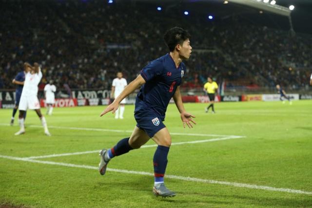 Những khoảnh khắc gây thất vọng của UAE trên sân Thái Lan - 14