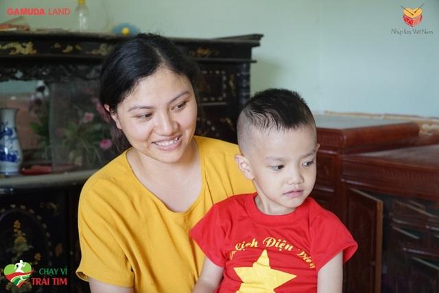 Chạy vì trái tim 2019: Đại diện Gamuda Land Việt Nam trực tiếp đến thăm em bé bị tim bẩm sinh - 2