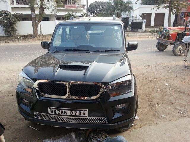 Biến ô tô giá rẻ thành xe sang BMW - Sở thích của dân chơi Ấn - 4