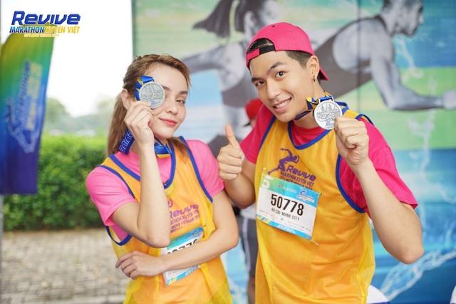 Hàng loạt sao Việt thử sức mình trong giải Revive Marathon xuyên Việt - 1