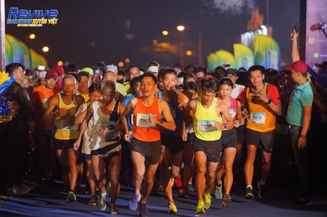 Hàng loạt sao Việt thử sức mình trong giải Revive Marathon xuyên Việt - 2