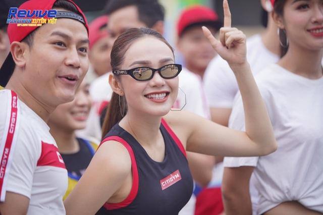 Hàng loạt sao Việt thử sức mình trong giải Revive Marathon xuyên Việt - 3