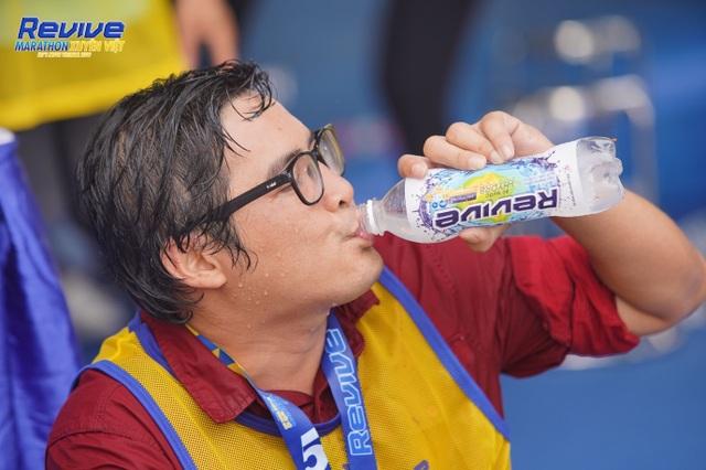 Hàng loạt sao Việt thử sức mình trong giải Revive Marathon xuyên Việt - 4