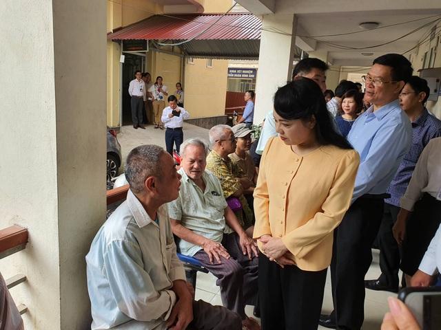Bộ trưởng Y tế xúc động trong chuyến công tác cuối cùng trên cương vị bộ trưởng - 3