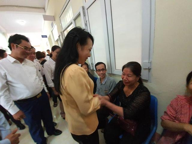 Bộ trưởng Y tế xúc động trong chuyến công tác cuối cùng trên cương vị bộ trưởng - 2