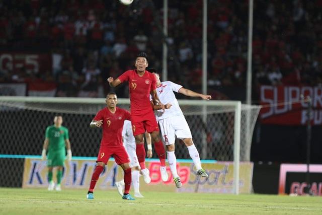 Indonesia 1-3 Việt Nam: Chiến thắng thuyết phục - 19