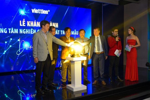 Khánh thành Trung tâm nghiên cứu và phát triển mẫu Dương Long RD - 5