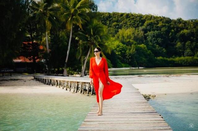Hoa hậu Hà Kiều Anh khoe vóc dáng đẹp quyến rũ ở tuổi 43 - 3