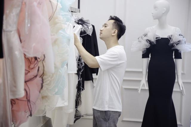 Dàn sao xúng xính thử đồ của Lê Ngọc Lâm trước show diễn Hoa hậu Hoàn vũ - 1
