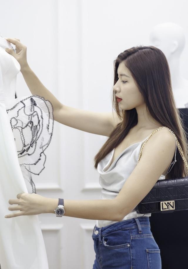 Dàn sao xúng xính thử đồ của Lê Ngọc Lâm trước show diễn Hoa hậu Hoàn vũ - 12