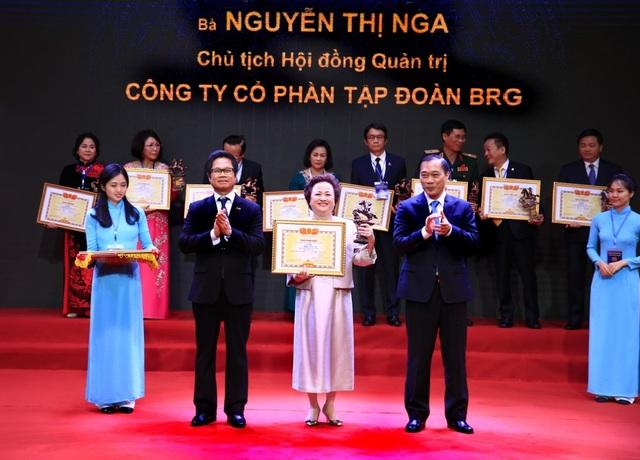 Bà Nguyễn Thị Nga - Chủ tịch Tập đoàn BRG: Doanh nhân Việt Nam tiêu biểu - Cúp Thánh Gióng 2019 - 1