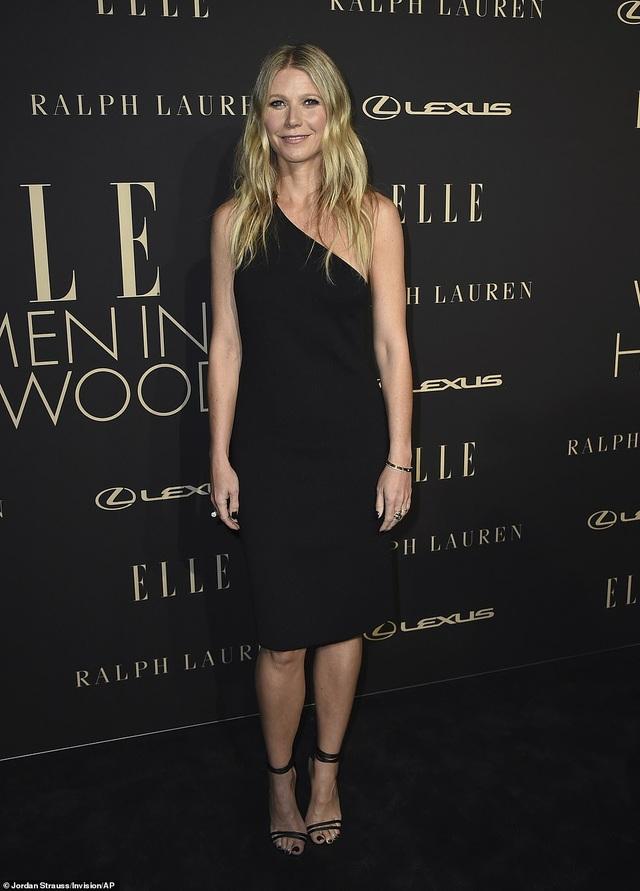 Người đẹp Hollywood kiêu sa diện váy đen dự sự kiện - 1