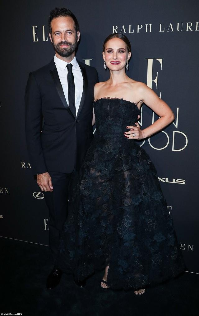 Người đẹp Hollywood kiêu sa diện váy đen dự sự kiện - 10