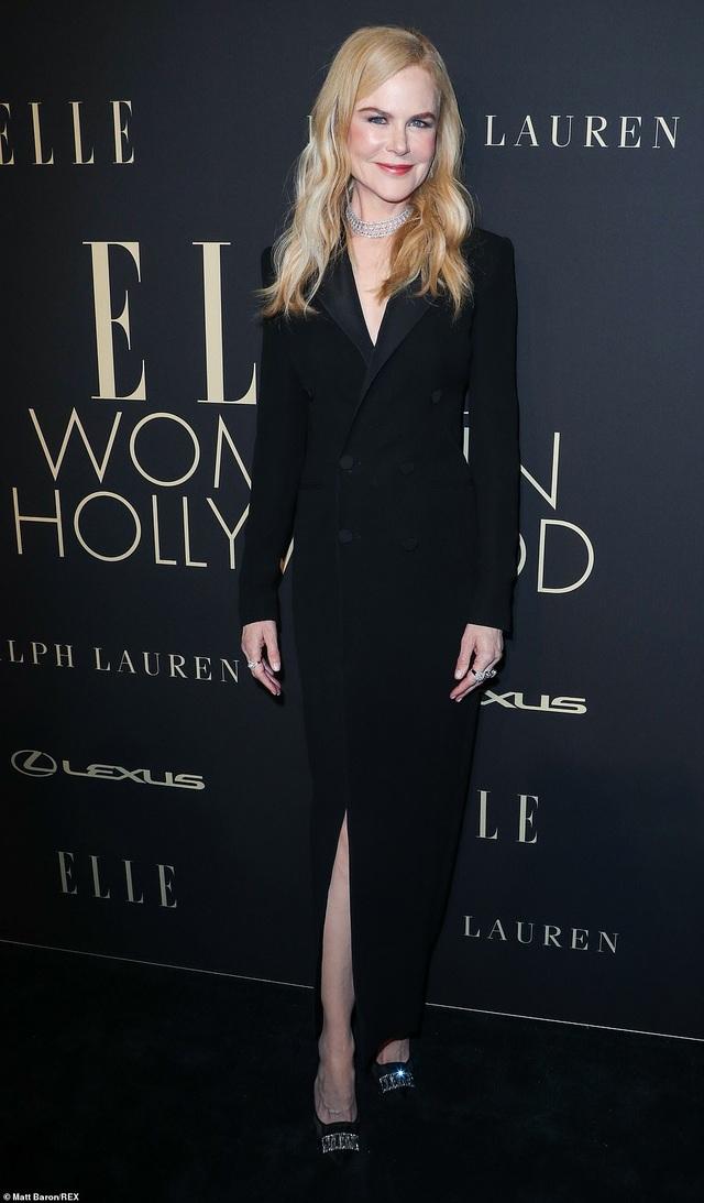 Người đẹp Hollywood kiêu sa diện váy đen dự sự kiện - 11