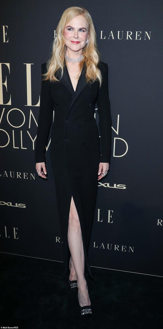 Người đẹp Hollywood kiêu sa diện váy đen dự sự kiện - 12