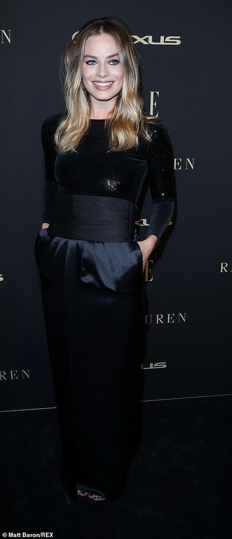 Người đẹp Hollywood kiêu sa diện váy đen dự sự kiện - 16