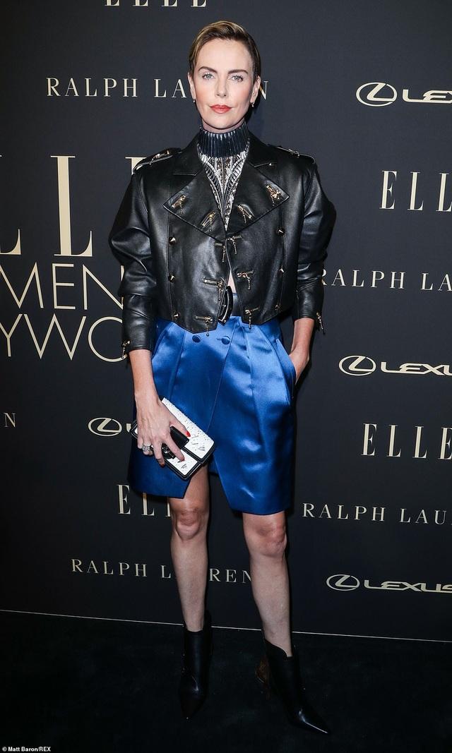 Người đẹp Hollywood kiêu sa diện váy đen dự sự kiện - 17