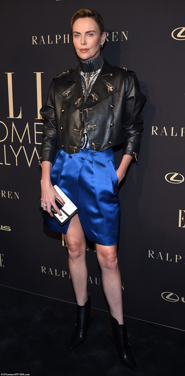 Người đẹp Hollywood kiêu sa diện váy đen dự sự kiện - 18