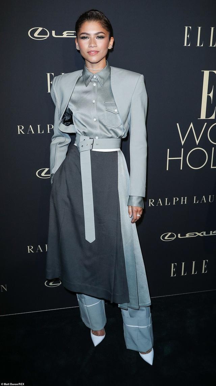 Người đẹp Hollywood kiêu sa diện váy đen dự sự kiện - 20