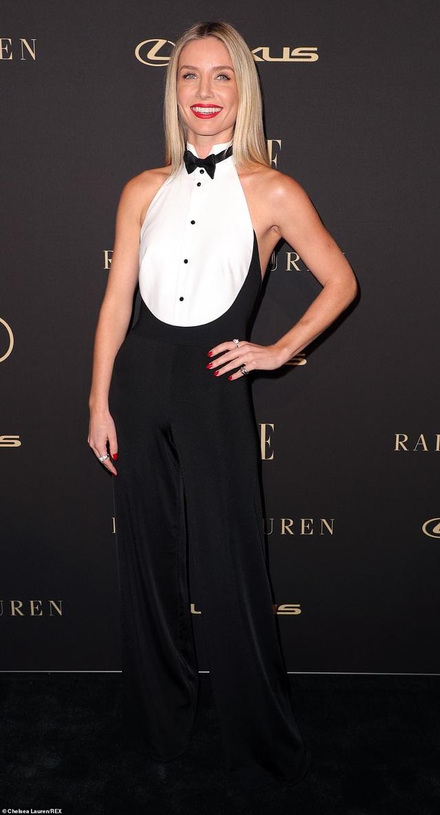 Người đẹp Hollywood kiêu sa diện váy đen dự sự kiện - 25
