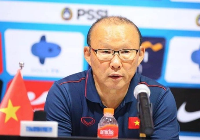 Báo Thái Lan tiết lộ hợp đồng của HLV Park Hang Seo, VFF lên tiếng - 1