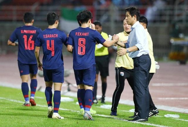 Những khoảnh khắc gây thất vọng của UAE trên sân Thái Lan - 18