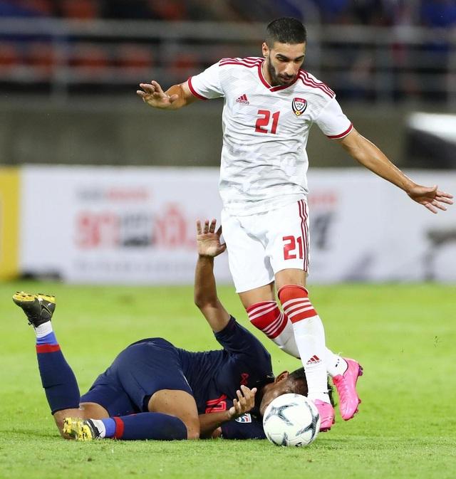 Những khoảnh khắc gây thất vọng của UAE trên sân Thái Lan - 6