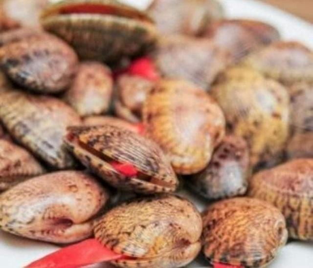 """Người tung tin """"ăn sò lụa đỏ ngộ độc"""" bị phạt 10 triệu đồng - 2"""
