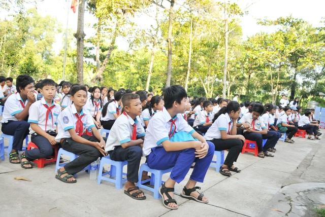 Học sinh vùng biên giới Tây Nam hân hoan trong lễ khởi công phòng học Dân trí! - 5