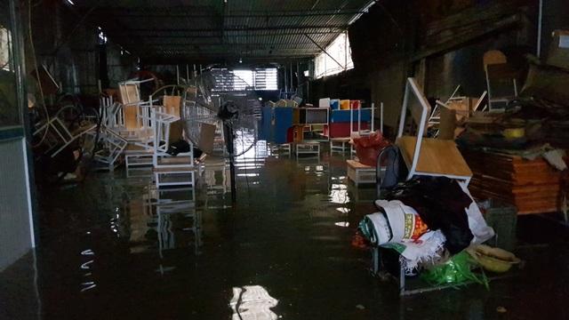 40 năm qua chưa từng chứng kiến trận ngập lụt kinh hoàng như thế - 14