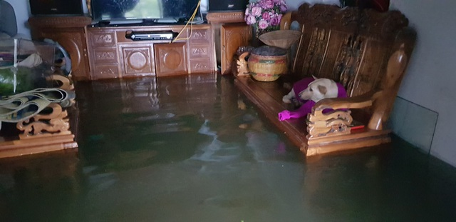 40 năm qua chưa từng chứng kiến trận ngập lụt kinh hoàng như thế - 17