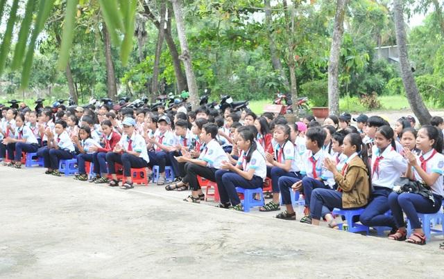 Học sinh vùng biên giới Tây Nam hân hoan trong lễ khởi công phòng học Dân trí! - 1